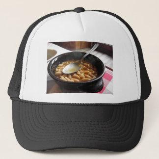 豆が付いているテラコッタボール。 トスカナの典型的なレシピ キャップ