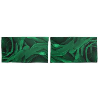 豊富なエメラルドグリーンのビロードのようなバラの花柄の写真 枕カバー