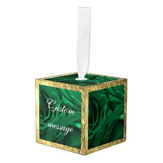 豊富なエメラルドグリーンのビロードのバラの花柄の写真 キューブオーナメント