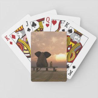 象および犬の友人のトランプ トランプ