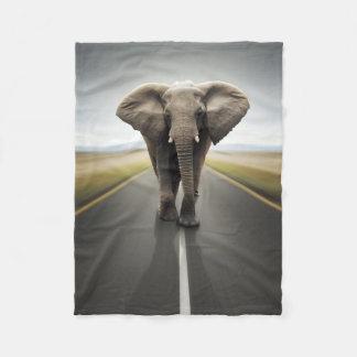 象のトラック運転手の小さいフリースブランケット フリースブランケット
