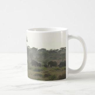 象のマグ、アフリカのサファリのコレクション コーヒーマグカップ