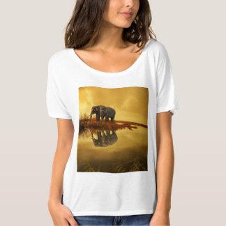 象の日没 Tシャツ