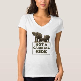 象はカーニバルの乗車ではないです Tシャツ