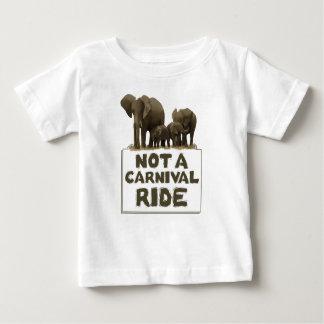 象はcarvival乗車ではないです ベビーTシャツ