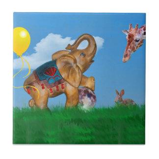 象、キリン、ウサギ、月のファンタジー場面タイル タイル