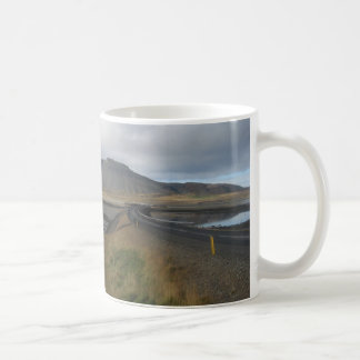 豪華な丘の写真が付いているマグ(アイスランドで) コーヒーマグカップ