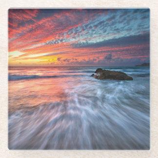豪華な日没|の石造りのビーチ、El ガラスコースター