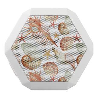 貝およびカニパターンが付いている珊瑚 ホワイトBluetoothスピーカー