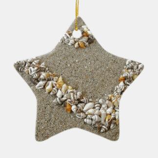 貝殻から整理されるハート セラミックオーナメント