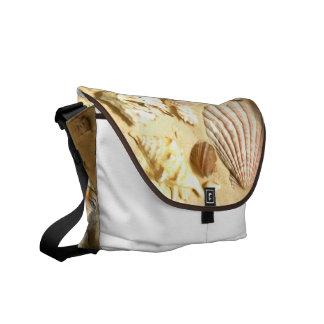 貝殻のメッセンジャーバッグ メッセンジャーバッグ