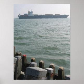 貨物船の海の交通機関の写真ポスタープリント ポスター