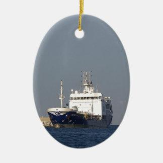 貨物船のZephyrosの入る港 セラミックオーナメント