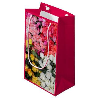 販売のためのバラ、サン・ミゲルdeアジェンデ、メキシコ スモールペーパーバッグ