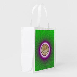 買い物袋の緑およびすみれ色の編まれた窓枠 エコバッグ