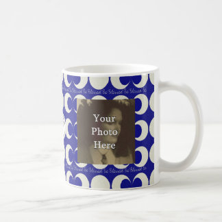 賛美される三重の月の異教徒は写真の準備ができた星形五角形です コーヒーマグカップ