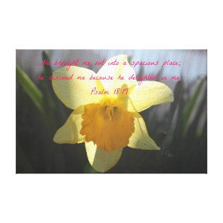 賛美歌の18:19の黄色のラッパスイセン キャンバスプリント