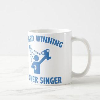 賞獲得のシャワーの歌手 コーヒーマグカップ