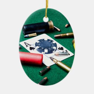 賭博のカードおよび弾丸 セラミックオーナメント