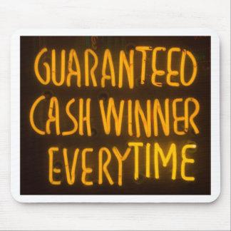 賭博カジノの現金勝者の印のネオンライト マウスパッド
