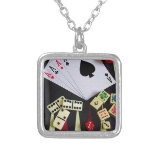 賭博カジノの賭博の部分 シルバープレートネックレス