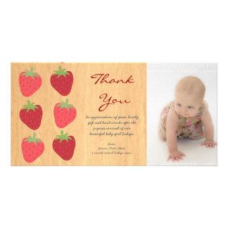 赤いいちごのベビーは写真カード感謝していしています カード