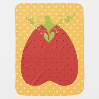 赤いいちごのモチーフ ベビー ブランケット