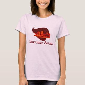 赤いおよびオレンジのミルウォーキーの美しい Tシャツ