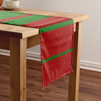 赤いおよび緑の編み物のクリスマスの休日 ショートテーブルランナー