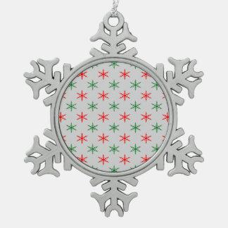 赤いおよび緑の雪片のクリスマスのオーナメント スノーフレークピューターオーナメント
