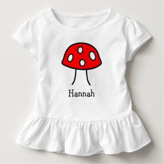 赤いきのこの幼児のひだのTシャツ トドラーTシャツ
