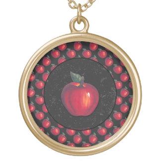 赤いりんごの黒のボーダー ゴールドプレートネックレス