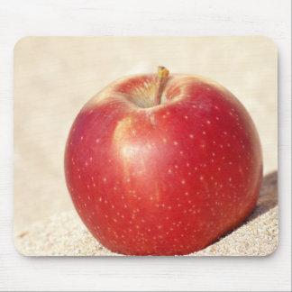 赤いりんご マウスパッド