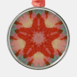 赤いろうけつ染めの星のフラクタルの曼荼羅の木愛オーナメント メタルオーナメント