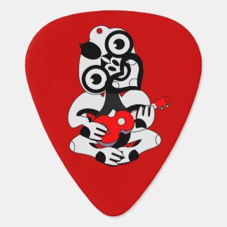 赤いウクレレを遊ぶTiki ギターピック