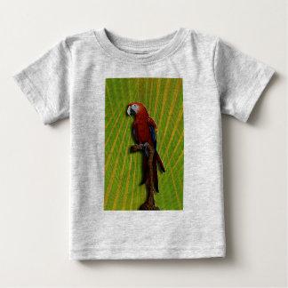 赤いオウム及びやし乳児のTシャツ ベビーTシャツ