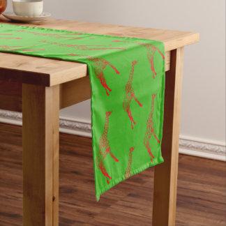 赤いキリンのステンシル ショートテーブルランナー