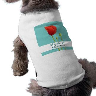 赤いケシのティール(緑がかった色)の結婚式犬のTシャツ ペット服