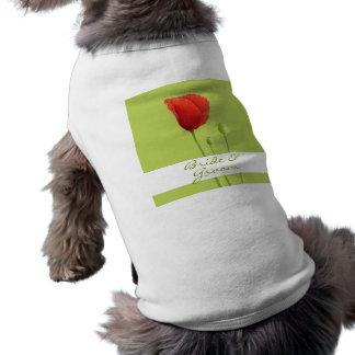 赤いケシのライムの結婚式犬のTシャツ ペット服
