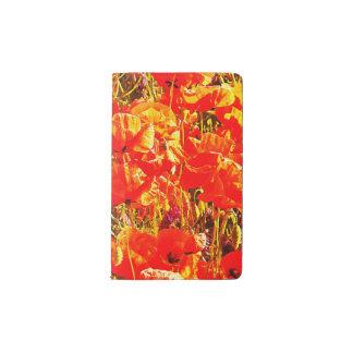 赤いケシの野生の花の芸術のデザインの明るい分野 ポケットMoleskineノートブック