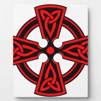 赤いケルト十字のサクソンのバイキングのwiccaの異教徒 フォトプラーク