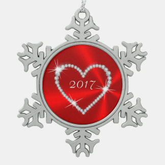 赤いサテンのダイヤモンドのハート スノーフレークピューターオーナメント