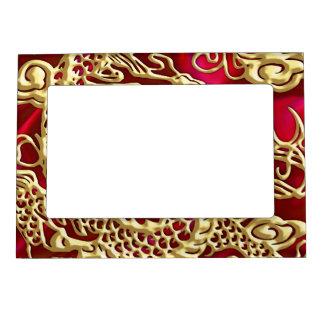 赤いサテンのプリントのエンボスの金ゴールドのドラゴン マグネットフレーム