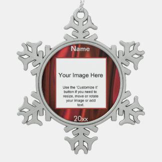 赤いサテンの円の写真フレームのテンプレート ピューター製スノーフレークオーナメント