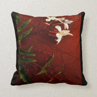 赤いジャスミンの装飾用クッション クッション