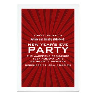 赤いスターバストのストライプの新年のパーティーの招待 カード