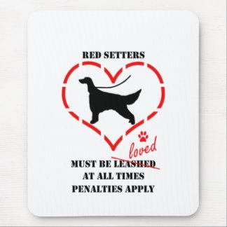赤いセッターは愛されなければなりません マウスパッド