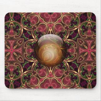 赤いタペストリーのデザインに対する金宝石 マウスパッド