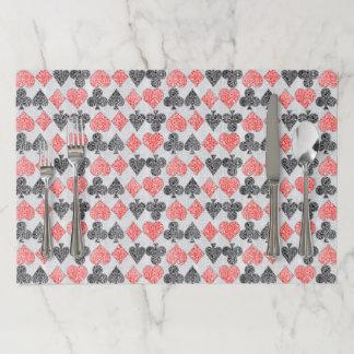 赤いダマスク織カードはハートのダイヤモンド踏鋤クラブに適します ペーパーランチョンマット