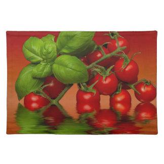 赤いチェリートマトのベズル ランチョンマット
